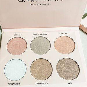🆕 Glow Kit® by Anastasia Beverly Hills